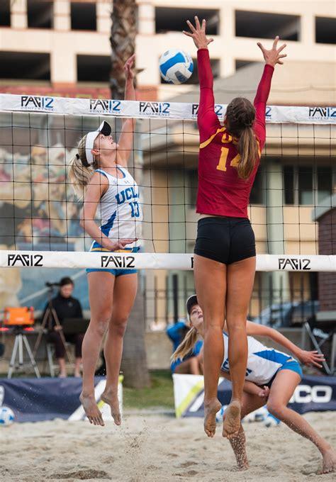 gallery ucla beach volleyball falls  usc  pac  championship final daily bruin