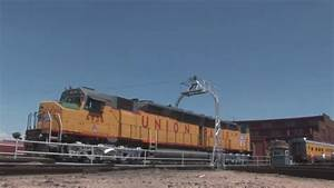 Worlds Largest Diesel RR Loco on Turntable UP6936 - YouTube