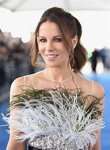 Kate Beckinsale's Spirit feathers|Lainey Gossip Lifestyle  Kate