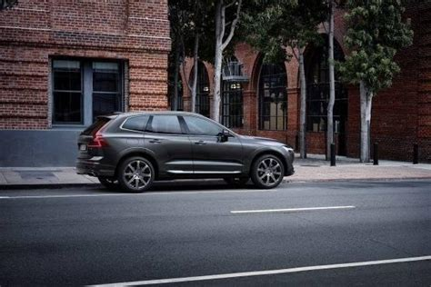 lovering volvo cars nashua  volvo dealership