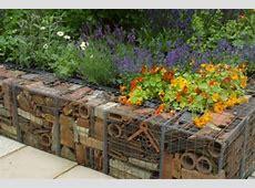 7 idee per realizzare pareti di sostegno nel giardino