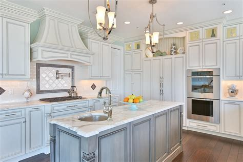 Kitchen Islands & Peninsulas   Design Line Kitchens in Sea