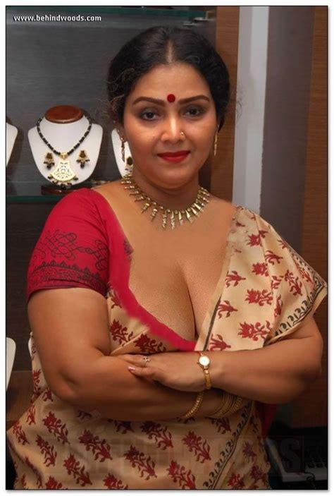 Indian Deep Saree Cleavage