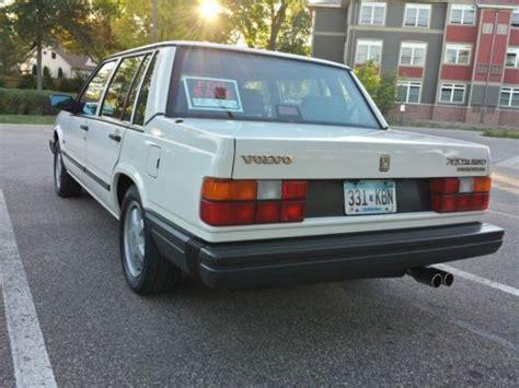 buy   volvo  turbo sedan  door manual