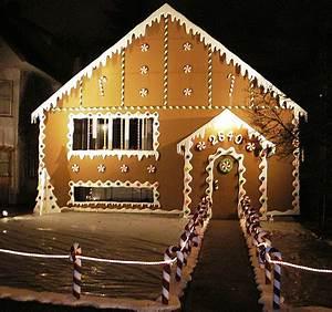 Tis The Season to Show f Your Amazing Christmas Lights
