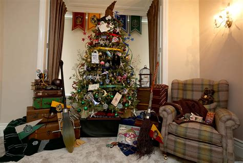 harry potter themed christmas tree check out this sirius ly good harry potter themed christmas tree storytrender