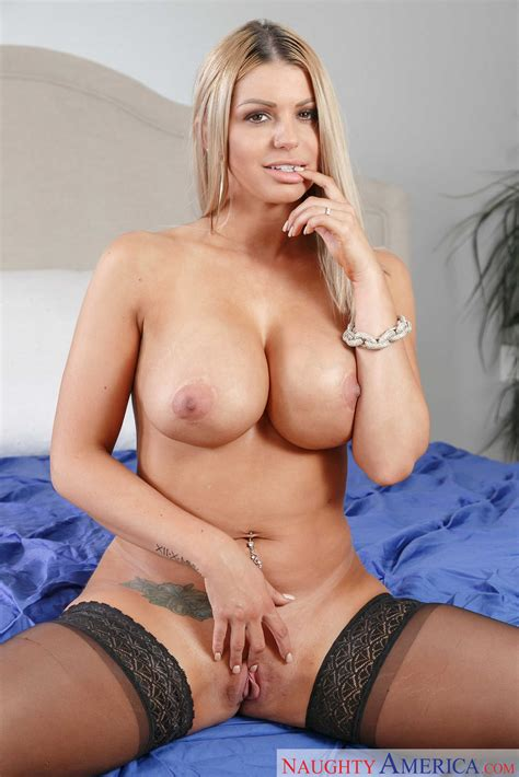 Busty Blonde Woman Is Fucking Her Ex Photos Brooklyn
