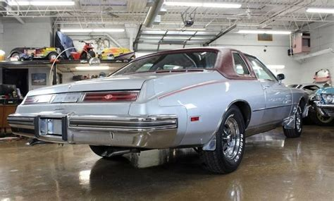 Buick Riviera Club by 1975 Buick Riviera Chicago Car Club