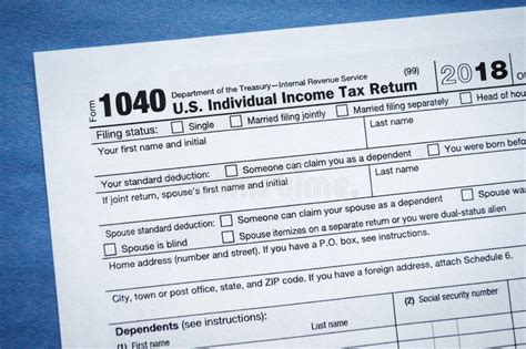form 1040 income tax return editorial photography image