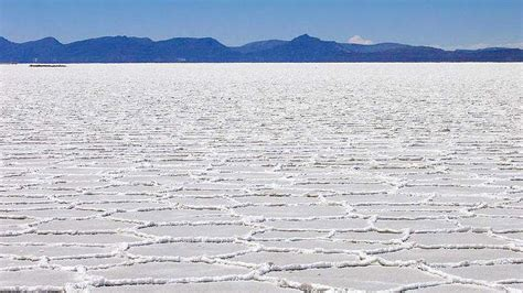le d 233 sert de sel salar d uyuni est le plus grand du monde of science fr