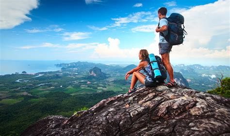 3 easy ways to travel the world if you're penniless but ...