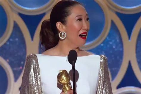 sandra oh golden globes win sandra oh s heartwarming win proves the globes get it