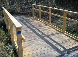 Petit Pont En Bois : pont en bois au parc d 39 isle saint quentin sarl benoist journel ~ Melissatoandfro.com Idées de Décoration