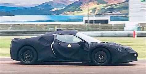 Une Ferrari hybride Supercar à l'essai