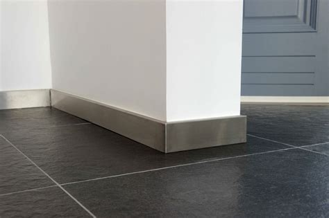plinthe inox de 1mm d 39 épaisseur doublage en bois