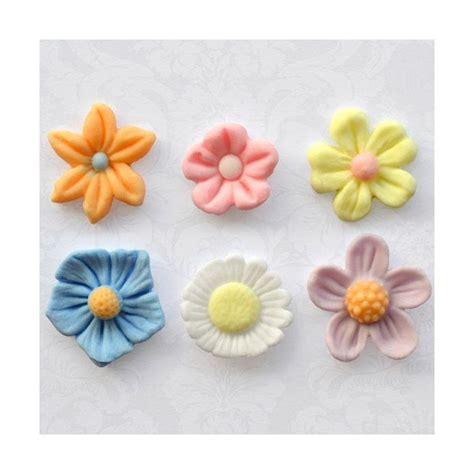 fleur en pate a sucre moule p 226 te 224 sucre fleurs katy sue maspatule