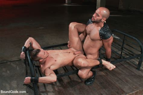 Showing Porn Images For Bdsm Anal Gay Porn