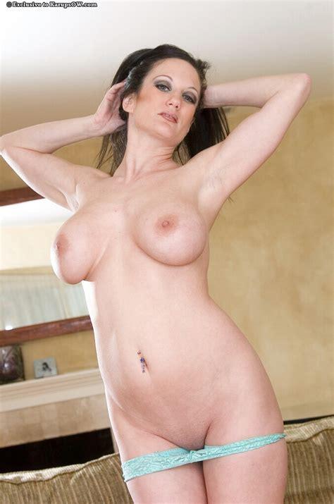 Classy Milf Stephanie Gets Horny Free Cougar Sex