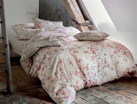 linge de chambre linge de lit satin pommier du japon linvosges