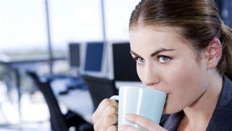 caffè in ufficio pausa caff 195 168 vietata a inizio turno indecorosa diredonna