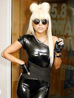 la moda extravagante de lady gaga aquimodacom