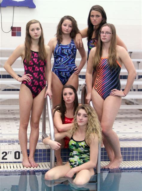 PREP GIRLS SWIMMING: Tight-knit Baraboo group primed for state meet   Badger-north   wiscnews.com