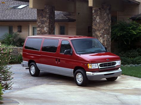 Photos of Ford Econoline E-150 1999–2002 (1280x960)