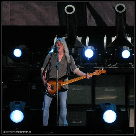cliff williams of ac dc glasgow ac dc at hden park