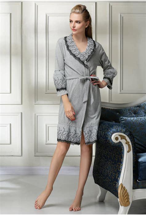 robe de chambre de luxe pour femme enchanteur robe de chambre de luxe pour femme et peignoir