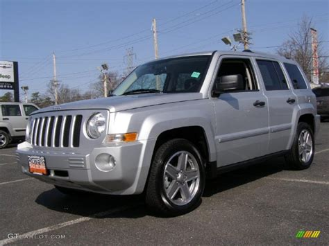 silver jeep patriot interior 2008 bright silver metallic jeep patriot limited 4x4