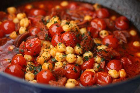 cuisine pois chiche ragoût de chorizo pois chiches et tomates cerises pilaf