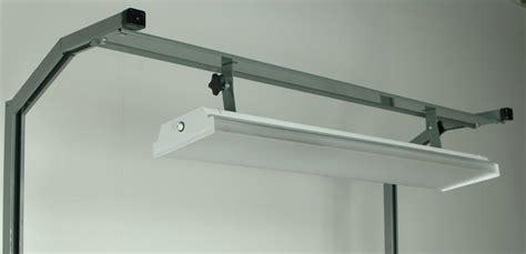 stackbin workbenches tiltable  fluorescent light