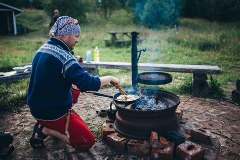 cuisiner au feu de bois cuisiner au feu de bois helsinki en finlande