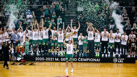 ''Žalgiris'' 23. reizi 28 gadu laikā triumfē Lietuvas čempionātā, Efes uzvar arī Turcijā ...