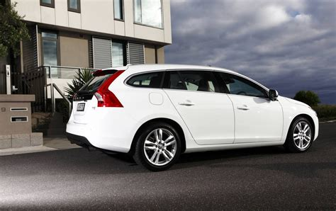 volvo  sports wagon launched  australia