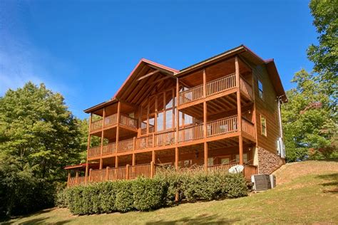 tn cabin rentals 5 bedroom chalet luxury cabin with resort pool