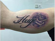 Tatuaje de una rosa y el nombre Hugo Tatuajes de Nombres