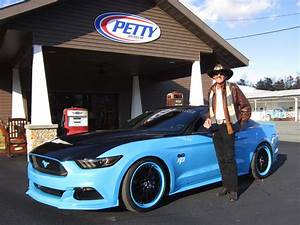 Richard Automobile : richard petty and ford call out hellcats with mustang gt king edition 670 to 727 hp hot rod ~ Gottalentnigeria.com Avis de Voitures