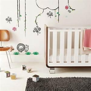 stickers chambre bebe fille pour une deco murale originale With chambre bébé design avec fleurs funéraires en céramique