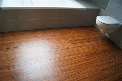 Parkett Im Badezimmer by Parkett Im Badezimmer Parkett Im Bad Welches Holz Ist