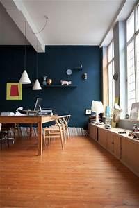 les 25 meilleures idees de la categorie murs bleu fonce With deco maison avec poutre 14 escalier poutre centrale mezzanine moderne escalier