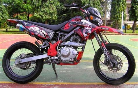 Biaya Modifikasi Klx 150 Supermoto by Modifikasi Motor Kawasaki Klx 150 Ala Supermoto