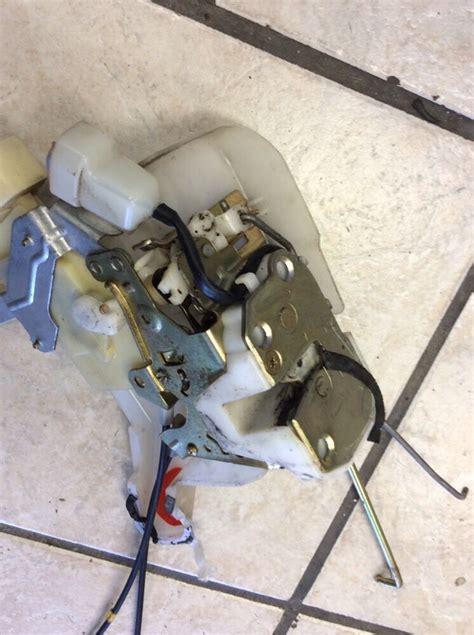 99 03 lexus rx300 door lock latch actuator drivers side front oem ebay