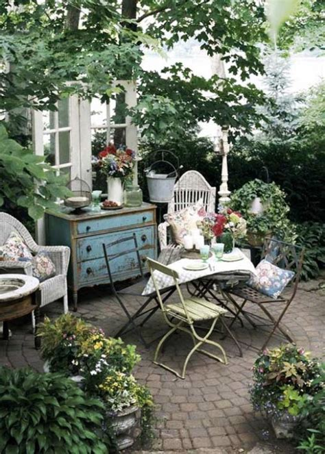 Stunning Country Garden Decorations That Are Worth Your Time