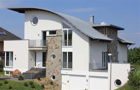 Dachüberstand Verkleiden Zink by Da Stehen Hausbesitzer Drauf
