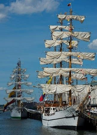 Pirate Boat Cruise Chicago by 17 Best Images About Ships On Sailing