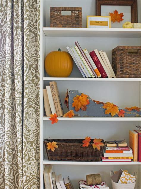 Table Decorating Ideas Candles Apples Autumn Indoor Outdoor Atmosphere 650x325 by Our Favorite Fall And Decorating Ideas Family