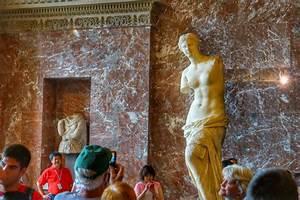 Venus de Milo: Louvre Museum, Paris   The Roaming Boomers