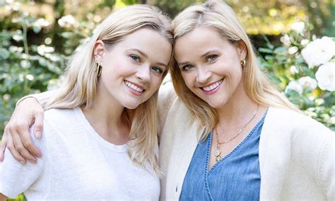 Reese Witherspoon's daughter Ava's 21st birthday cake is ...