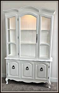 Upcycling An Old Hutch    Curio Cabinet